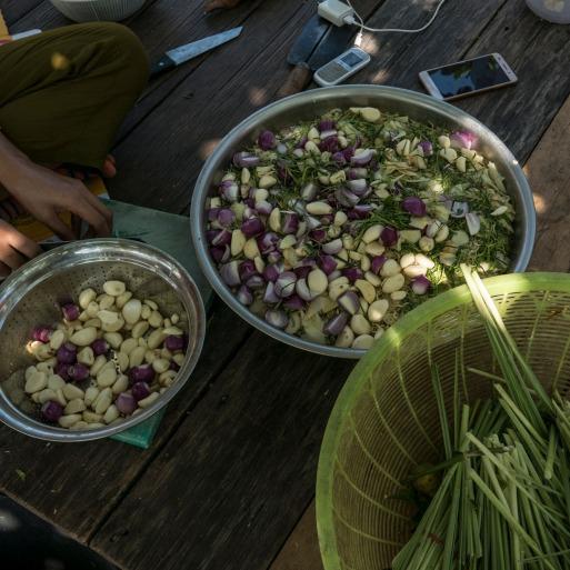 Preparing garlic and lemongrass
